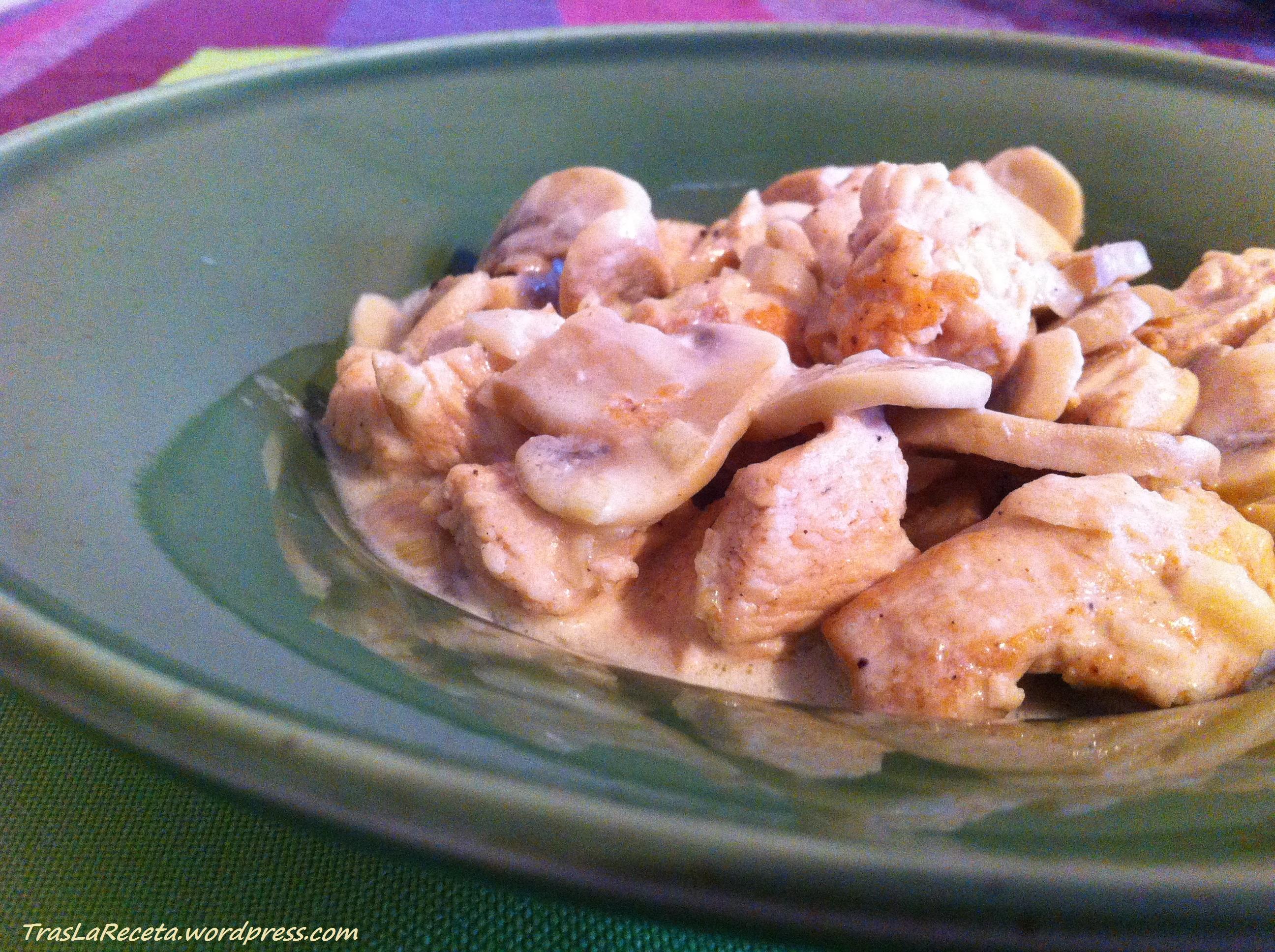 Stroganov de pollo o Pollo en salsa de nata | tras la receta