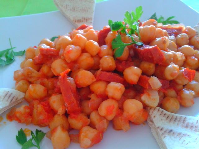 Garbanzos con chorizo de la cocina tradicional espa ola for Cocina tradicional espanola